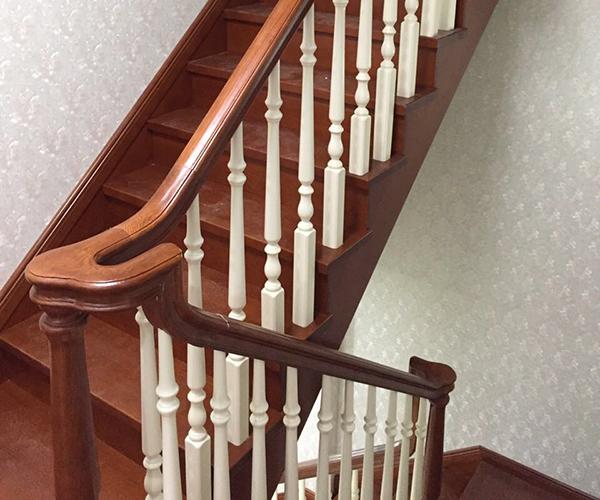 扬州实木楼梯必须具备特性